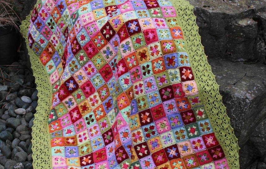 Voilà ! the macaroons blanket.
