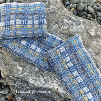 The Coorie shawl, Tinna and I…..